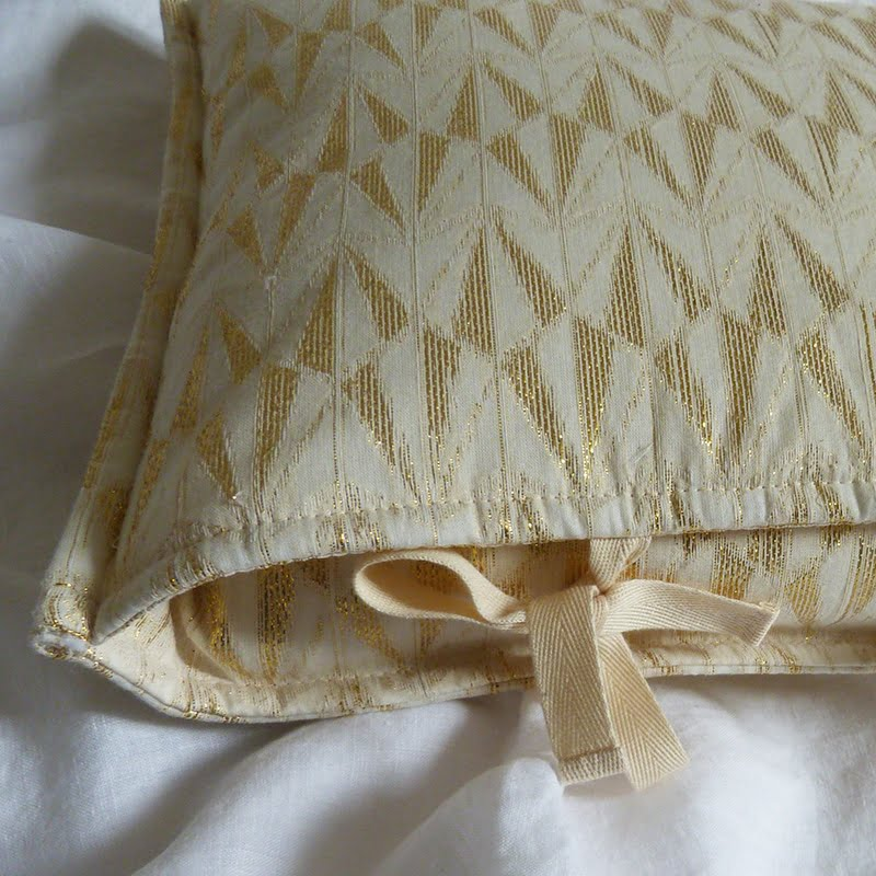 Coussin Jacquard Or